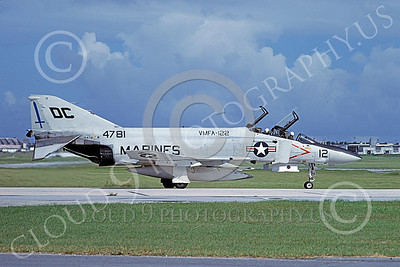 F-4USMC 00523 A taxing McDonnell Douglas F-4J USMC 154781 VMFA-122 CRUSADERS DC code Atsugi 7-1978 military airplane picture by T Toda