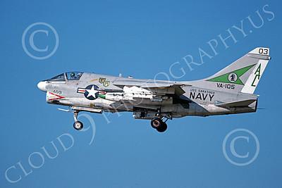 A-7USN 00122 A landing Vought A-7E Corsair II USN 156852 VA-105 GUNSLINGERS 6-1978 military airplane picture by Michael Grove, Sr
