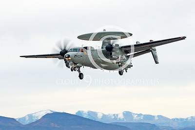 E-2USN 00252 A landing Grumman E-2C Hawkeye USN VAW-116 Sun Kings USS Carl Vinson NAS Fallon 11-2013 military airplane picture by Peter J Mancus