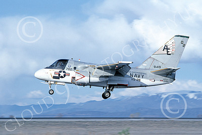 S-3USN 00312 A landing Lockheed S-3 Viking USN 159419 VS-28 PROFESSIONALS USS Independence NAS Fallon 4-1983 military airplane picture by Michael Grove, Sr