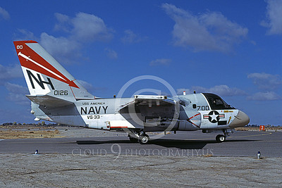 S-3USN 00307 A taxing Lockheed S-3 Viking USN 0126 VS-33 SCREWBIRDS USS America NAS Fallon 11-1978 airplane picture by Michael Grove, Sr