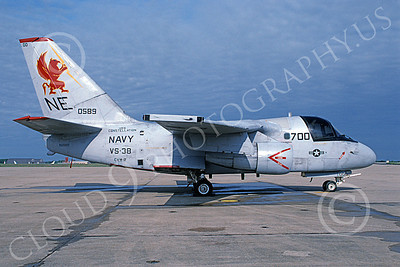 S-3USN 00101 A static Lockheed S-3 Viking USN 160589 VS-38 CLAW CLAN commanding officer's USS Constellation 5-2004 military airplane picture by David Hale