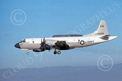 EP-3USN 00058 A landing Lockheed EP-3E Aries II USN 149669 VQ-1 WORLD WATCHERS PR code NAS Moffett 10-1976 military airplane picture by Michael Grove, Sr