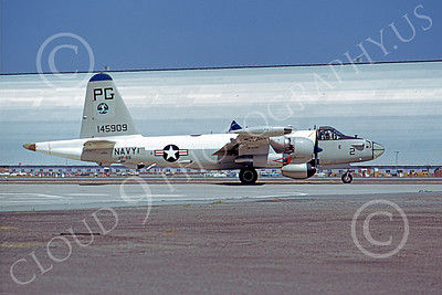 P-2USN 00051 A taxing Lockheed SP-2H Neptune USN 148347 VP-65 TRIDENTS NAS Moffett 8-1973 military airplane picture by Michael Grove, Sr