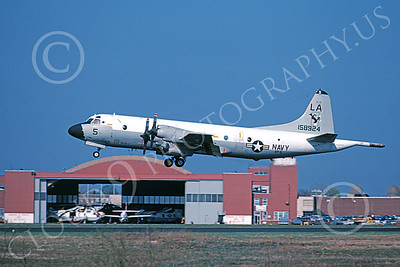 P-3USN 00316 A flying Lockheed P-3A Orion USN 158924 VP-5 MAD FOXES 5-1982 military airplane picture by Barry Roop