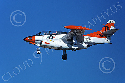 T-2USN 00060 A landing North American Aviation T-2C Buckeye USN 156691 VT-23 PROFESSIONALS 8-1981 military airplane picture by Michael Grove, Inc