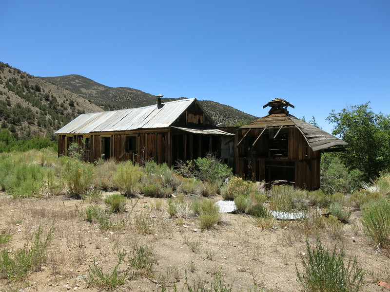 Several old buildings still stand in Queen Canyon.