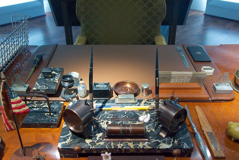 FDR's White House Desk (as he left it)