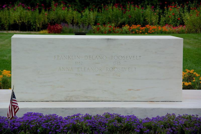 FDR & Eleanor Grave in the Rose Garden