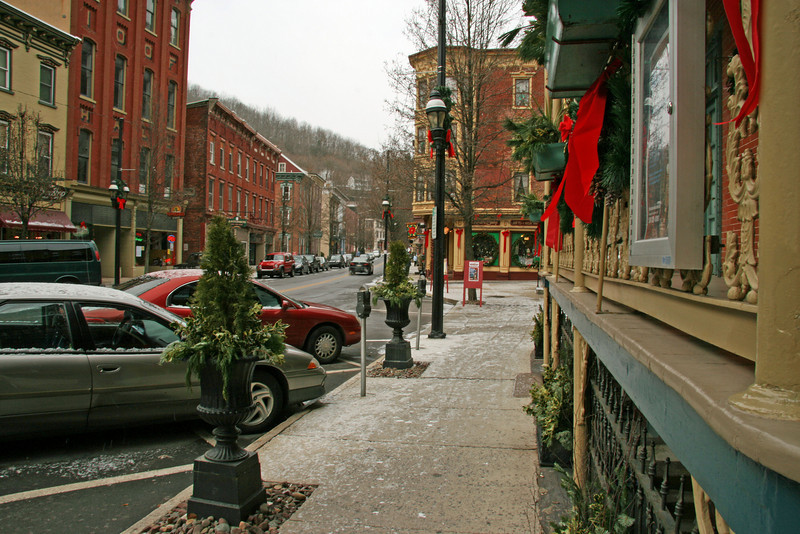 023 Historic Broadway in Jim Thorpe, PA at Christmas