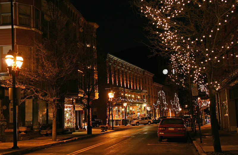 001 Christmas on historic Broadway in Jim Thorpe, PA