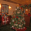 022 The Inn at Jim Thorpe's beautiful Victorian decorated Christmas Tree