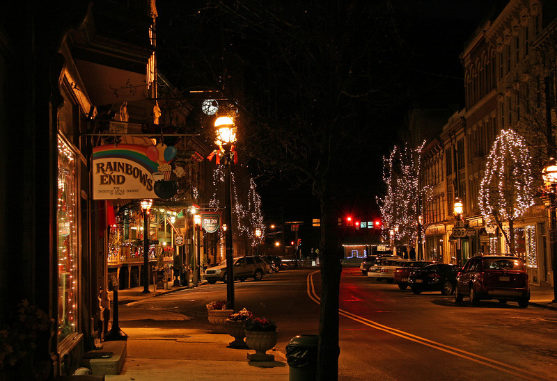 009 Christmas lights on historic Broadway in Jim Thorpe, PA