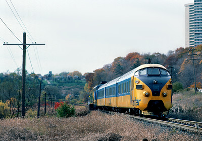 October 1986.  The Ontario Northland, looking for a bargain way to upgrade their Cochrane to Toronto service, purchased a surplus TEE train set that had at one time run between Zurich and Paris. It was not a great success. Here it is pictured entering Toronto after its run from Cochrane with an F-unit providing power at the head end.