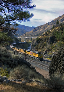 """September 25, 2007.  Eastbound at Floriston in the Truckee River canyon. My first trip """"chasing trains"""" with a digital camera."""