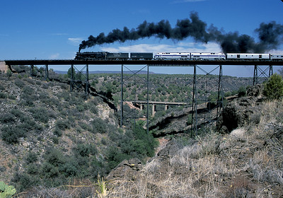 August 2002.  Following its visit to the Grand Canyon Railroad, ATSF 3751 heads back to Los Angeles via the ex-Santa Fe Phoenix line and Arizona and California Railroad.