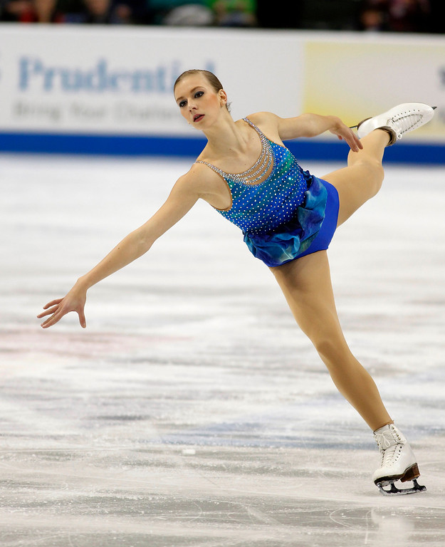 . Polina Edmunds skates in the women\'s short program during the U.S. Figure Skating Championships, Thursday, Jan. 21, 2016, in St. Paul, Minn. (AP Photo/Andy Clayton-King)