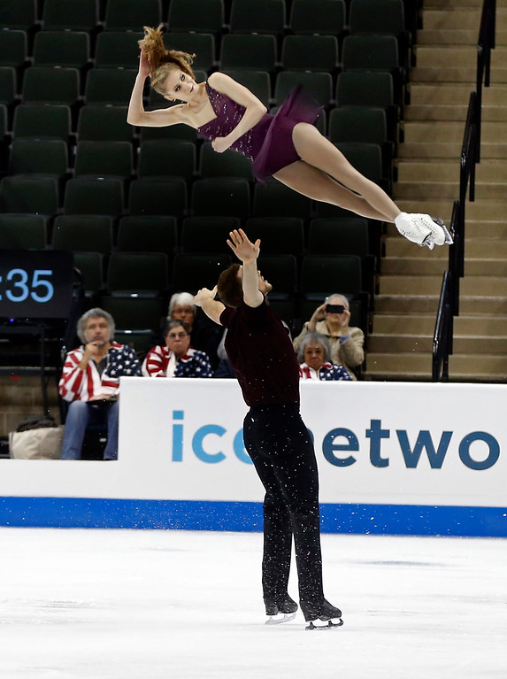 . Pairs skaters Tara Kayne and David O�Shea perform in the short program of the U.S. Figure Skating Championships, Thursday, Jan. 21, 2016, in St. Paul, Minn. They finished first in the standings. (AP Photo/Jim Mone)