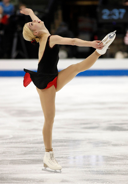 . Gracie Gold skates in the women\'s short program during the U.S. Figure Skating Championships, Thursday, Jan. 21, 2016, in St. Paul, Minn.(AP Photo/Andy Clayton-King)