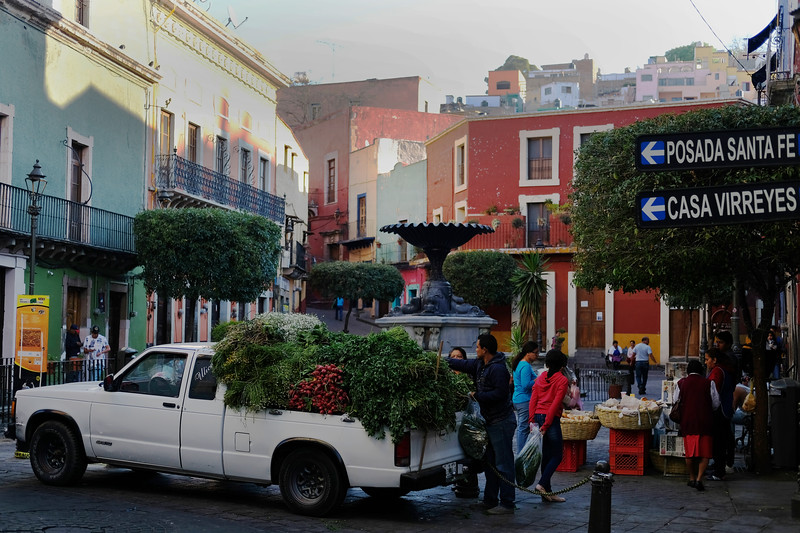 Early morning vendors. Guanajuato City. April 2019