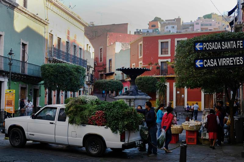 Early morning vendors. Guanajuato City. April 2019