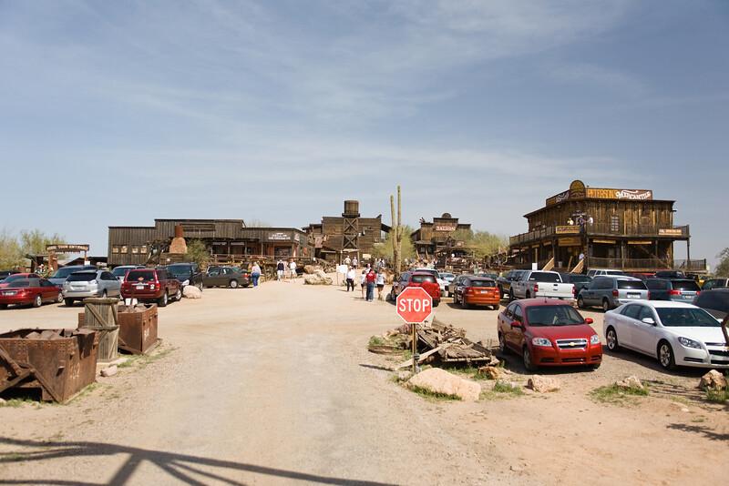 AZ-Apache Junction-Hwy 88-Goldfield-2011-03-19-1061