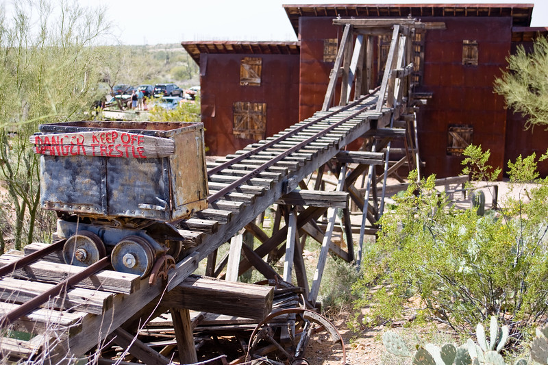 AZ-Apache Junction-Hwy 88-Goldfield-2011-03-19-1004