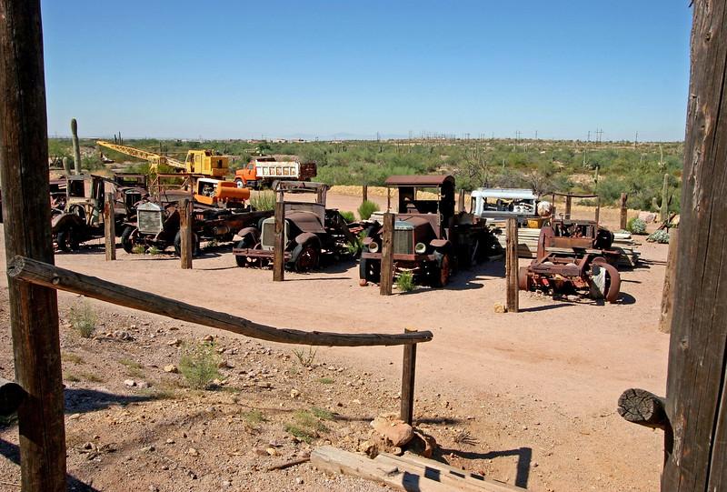AZ-Apache Junction-Hwy 88-Goldfield-2005-09-18-0009