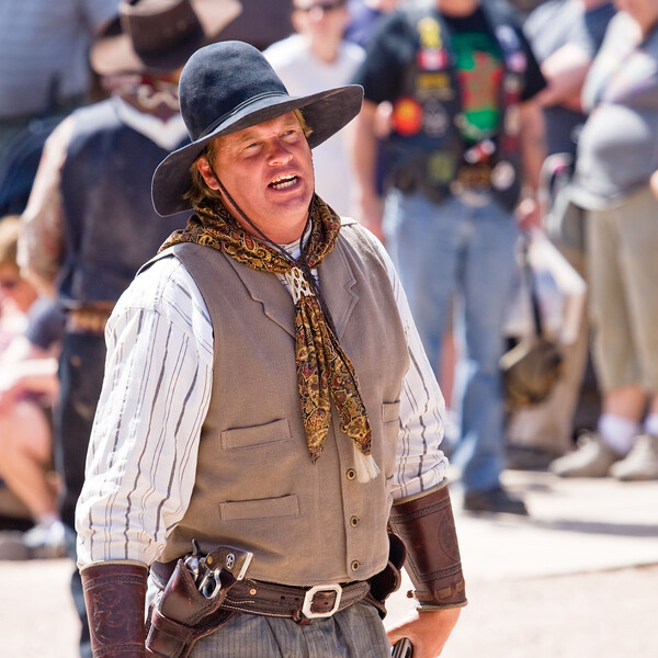 AZ-Apache Junction-Hwy 88-Goldfield-2011-03-19-1017<br /> <br /> Getting ready for the  Gunfight...