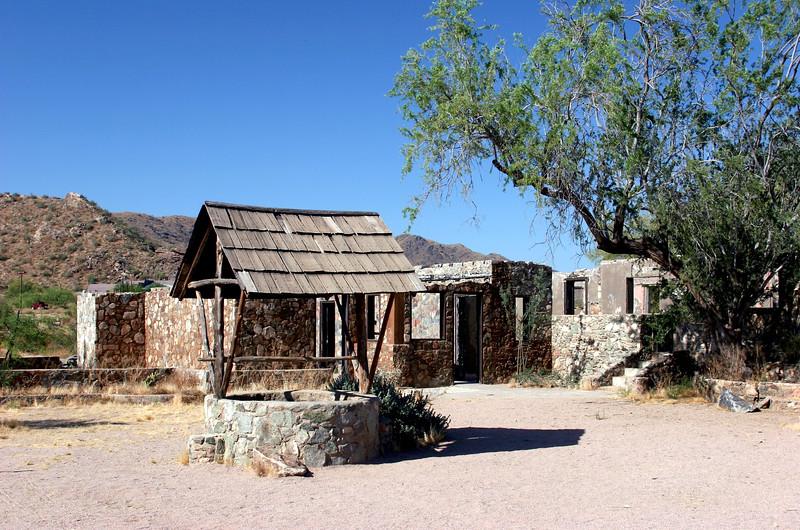 AZ-Phoenix-South Mountain Park-Scorpion Gulch-2005-06-05-0002
