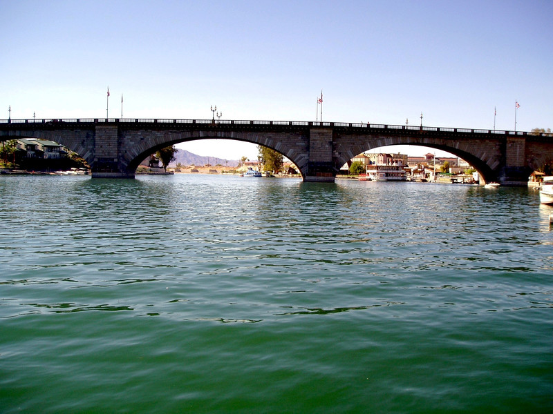 AZ-Lake Havasu-London Bridge-2003-09-10-0005