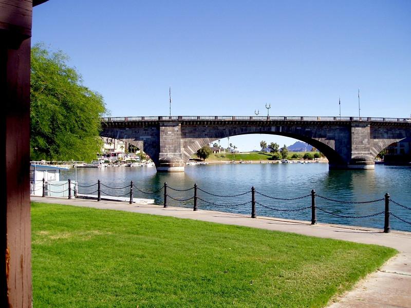AZ-Lake Havasu-London Bridge-2003-09-10-0006
