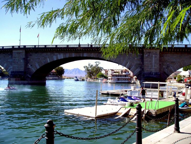 AZ-Lake Havasu-London Bridge-2003-09-10-0004