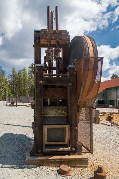 Pounding & Pulverizing Stamp Mill