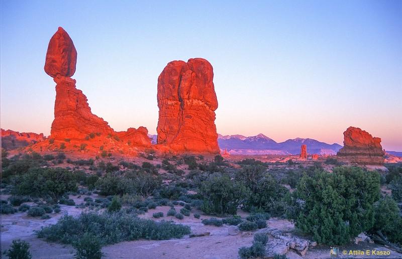 Balanced Rock - Sunset<br /> Arches NP, Utah, USA