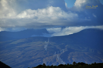 Hawaii Maui wind generators sig