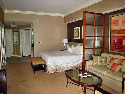 Las Vegas Scenes    - Inside my suite at the Signature