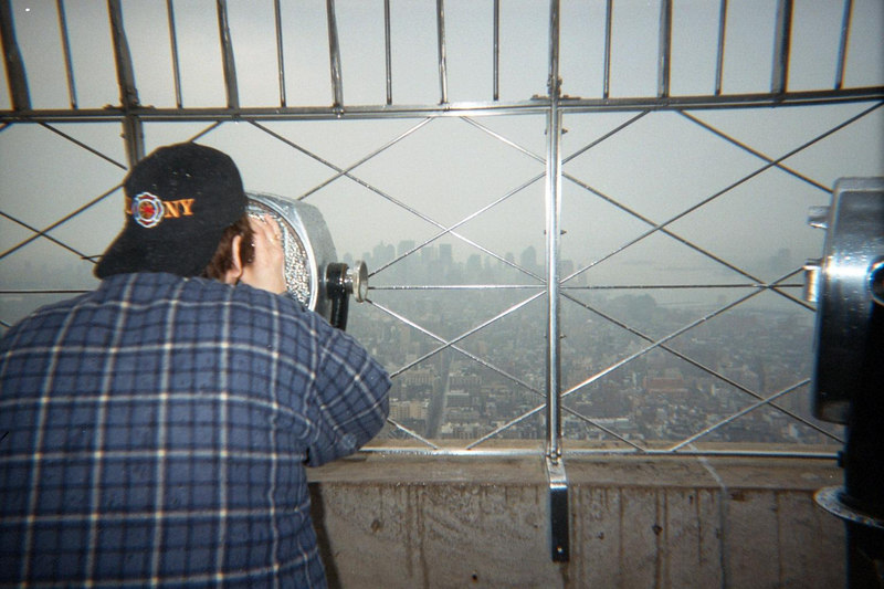 NEW YORK CITY A FEW WEEKS AFTER 9-11, VIEW FROM EMPIRE STATE BUILDING