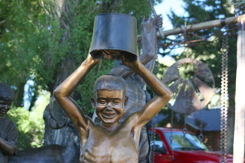 WY-Jackson-Art-Sculpture-2005-09-01-0005