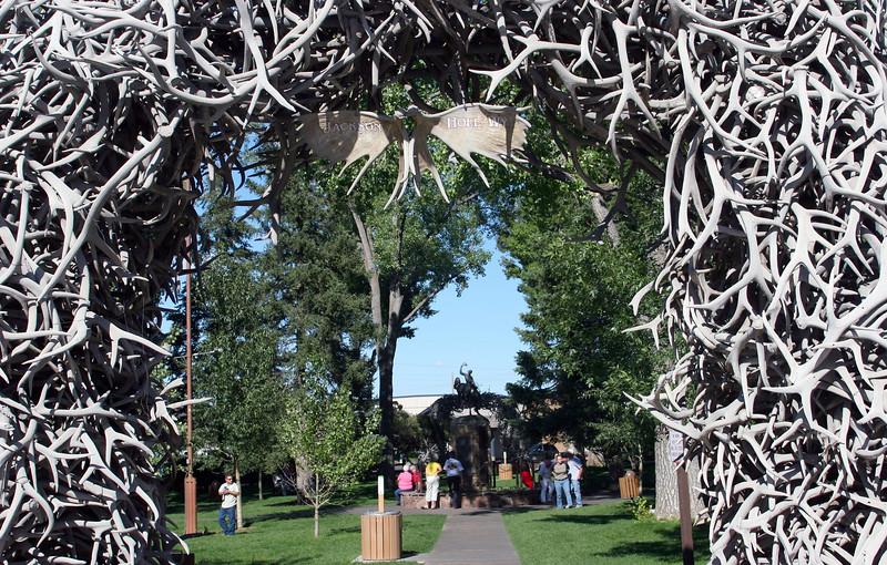 WY-Jackson-Elk Antler Arches-2005-09-01-0003