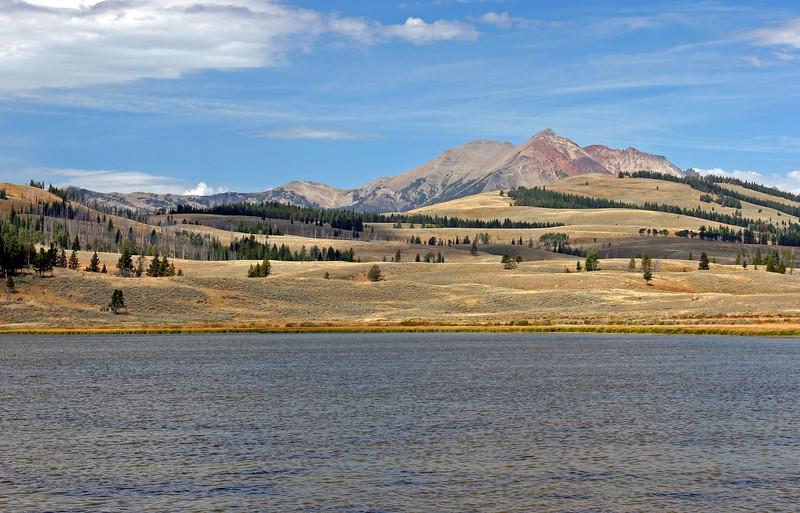 WY-Yellowstone NP-Gallatin Range Area-2005-09-03-2001