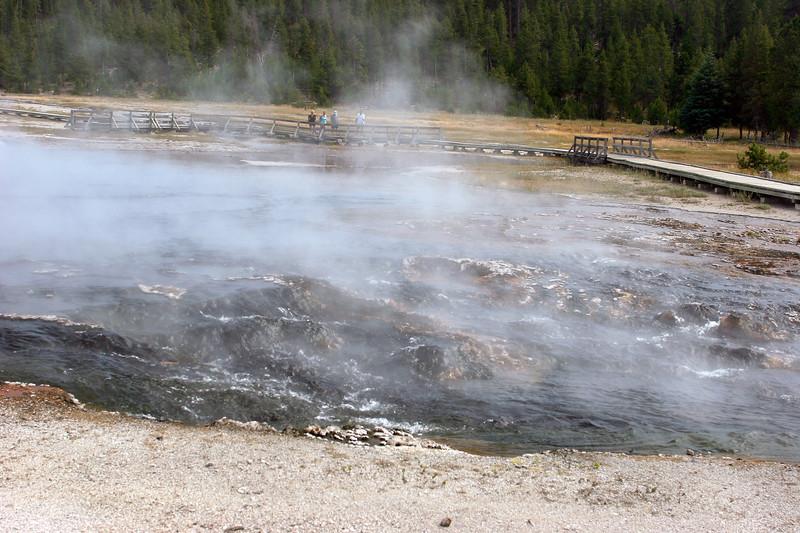 WY-Yellowstone NP-Hot Lake Area-2005-09-02-0005