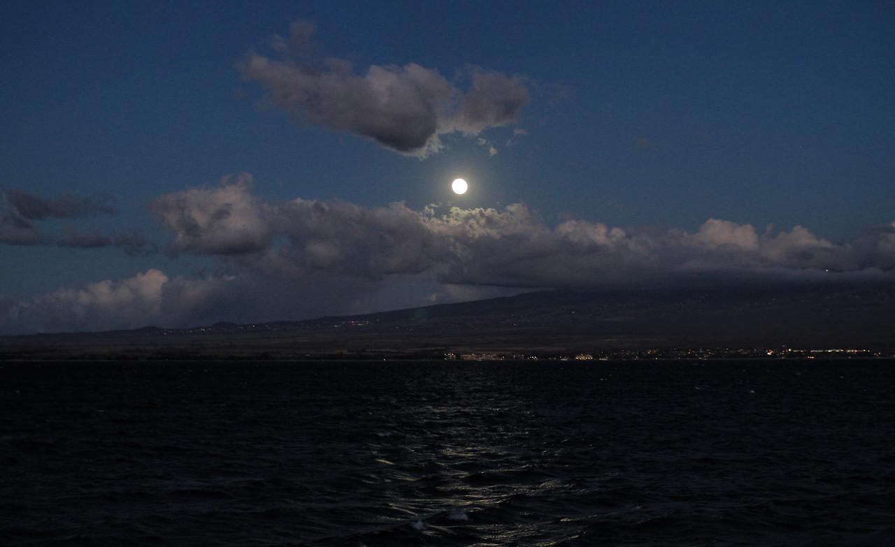 Moonrise on Maui