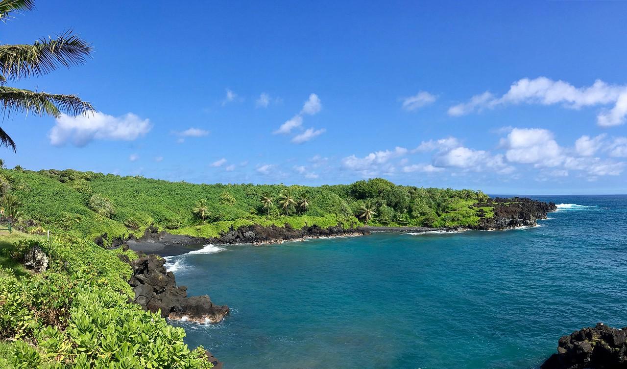 Waianapanapa Black Sand Beach