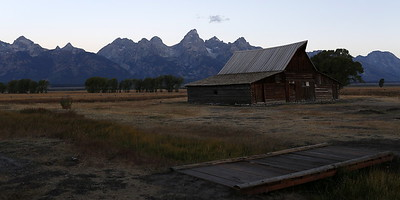 Day 2: Greeting the sun at the famous barn on the Mormon Row