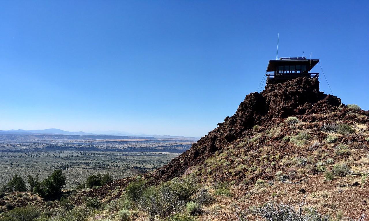 Schonchin Butte Lookout