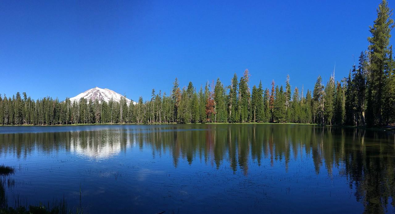 Mt Lassen from Summit Lake looking pretty peaceful...