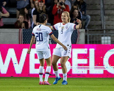 Lindsey Horan, Christen Press