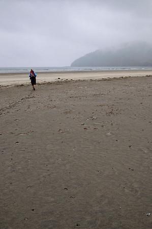 et arrivée sur la plage, complètement déserte