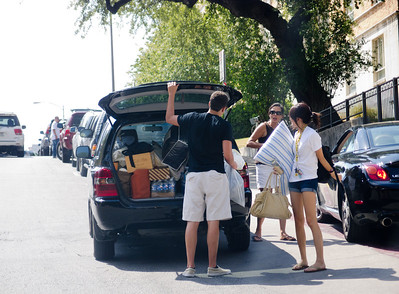 Back to school weekend at UT Austin. Traffic jams and tons of students unloading and moving in. Photo by Seto, 20 Aug 2011.